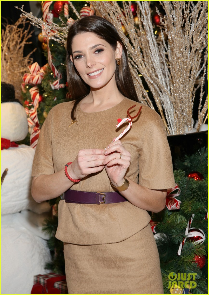camilla belle jaime king buddy up at brooks brothers holiday event 47