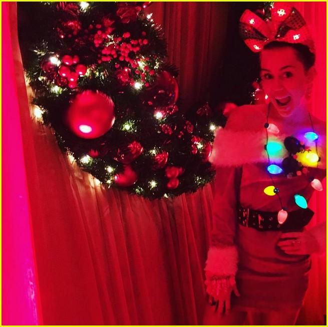 miley cyrus explains why christmas makes her sad 06 - Miley Cyrus Christmas