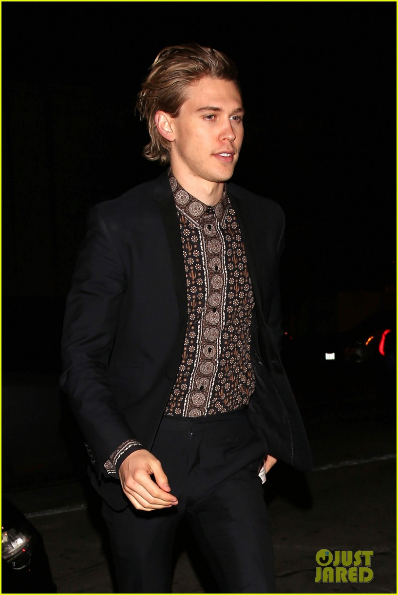 vanessa hudgens austin butler step out for date night 04