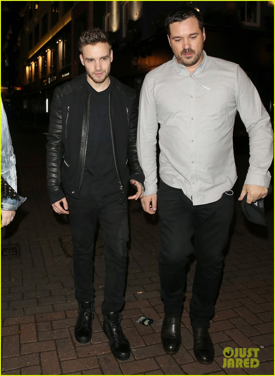 louis tomlinson steps out with sister lottie and liam payne 22