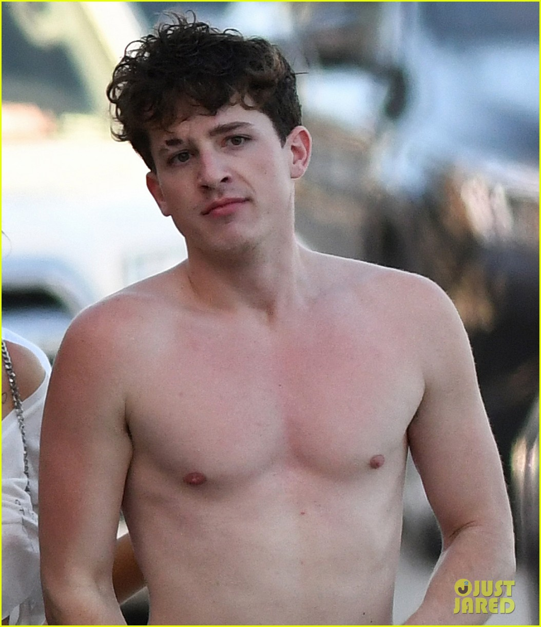 bella thorne charlie puth kiss hold hands beach 06