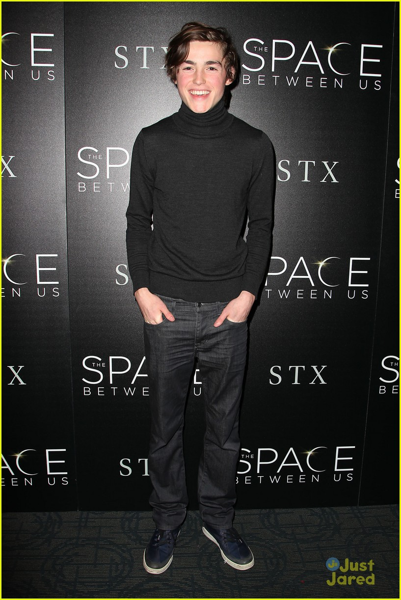 asa butterfield space between ankle weights nyc premiere 04
