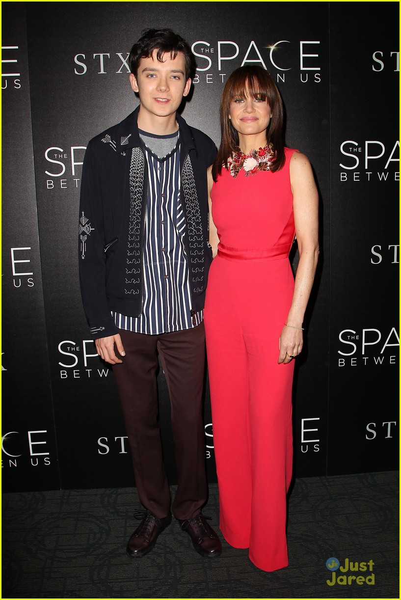 asa butterfield space between ankle weights nyc premiere 10