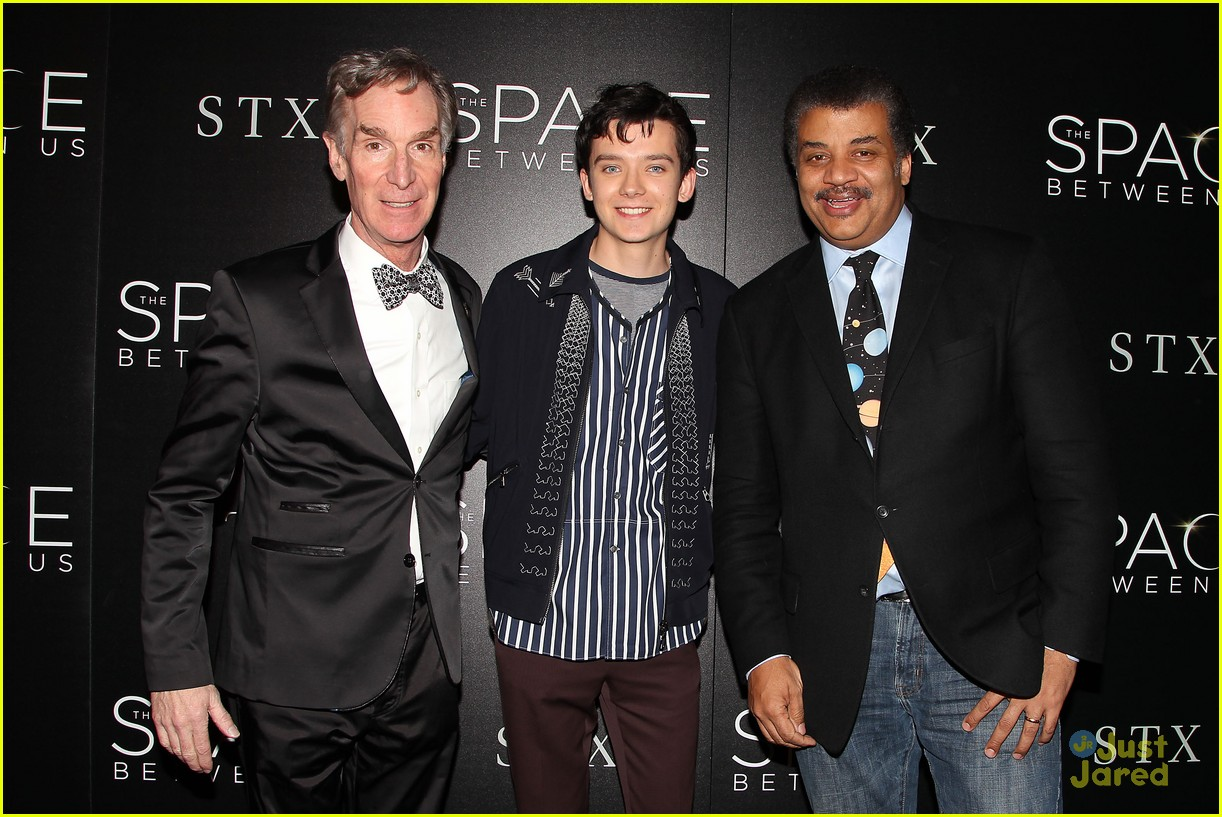 asa butterfield space between ankle weights nyc premiere 17