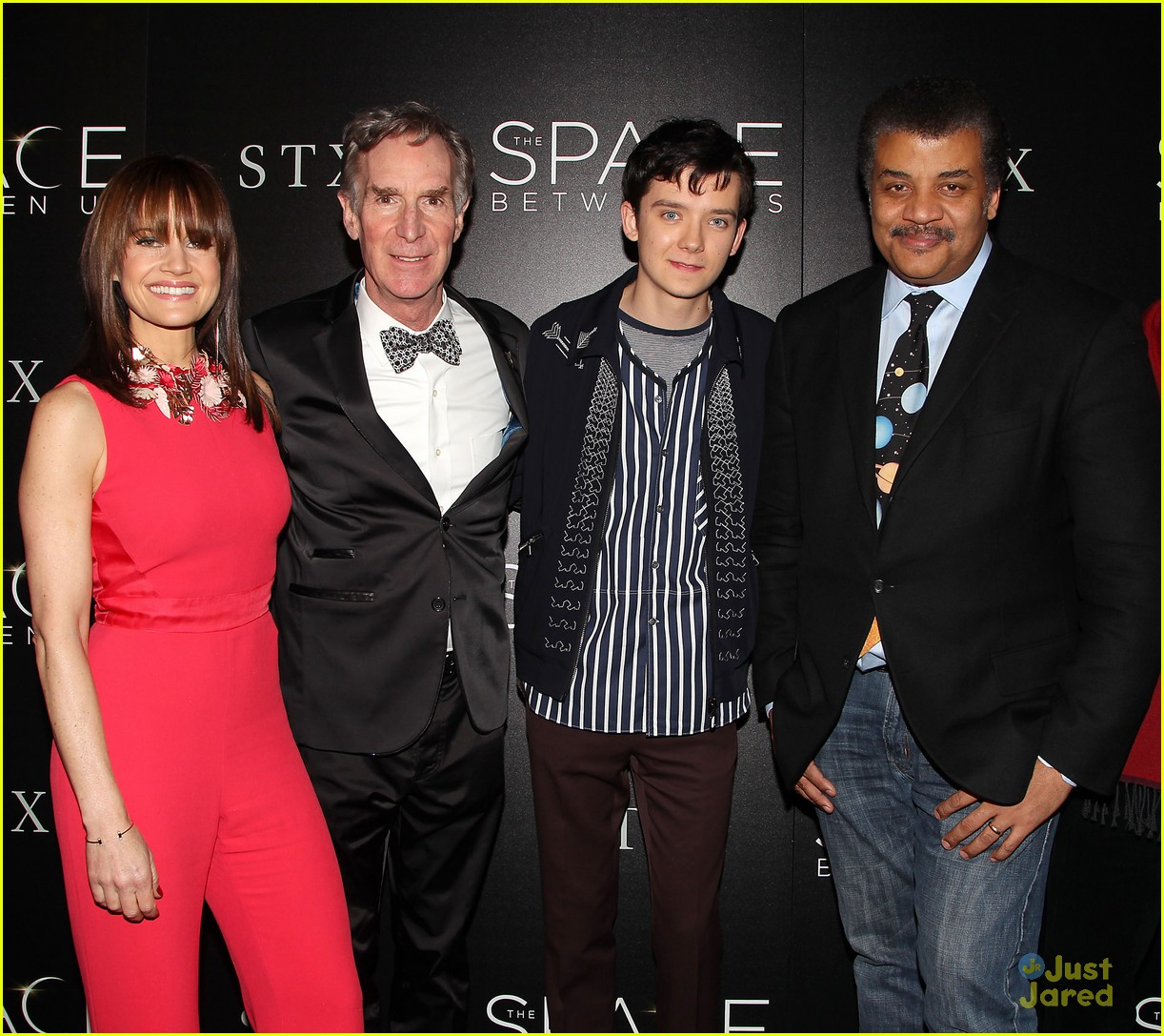 asa butterfield space between ankle weights nyc premiere 20