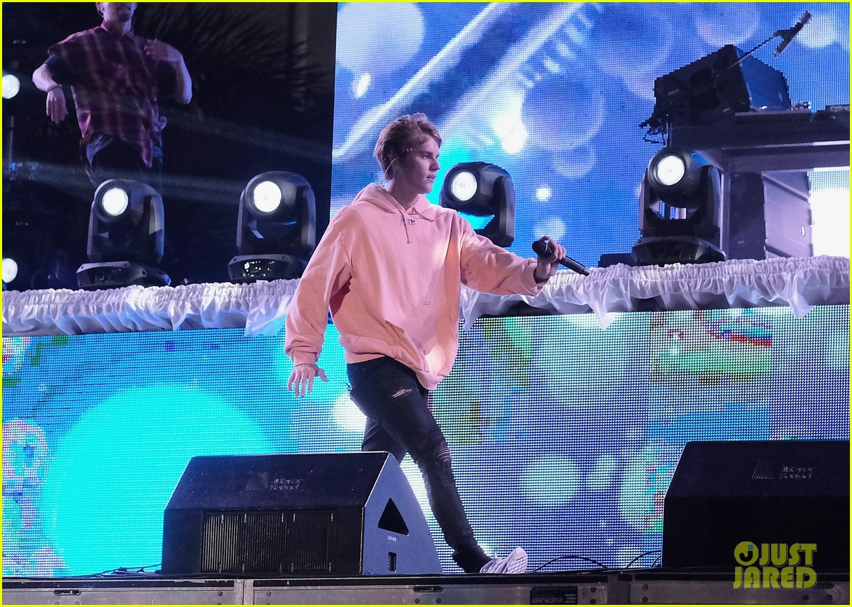 Justin Bieber Performs New Years Eve Show In Miami 15