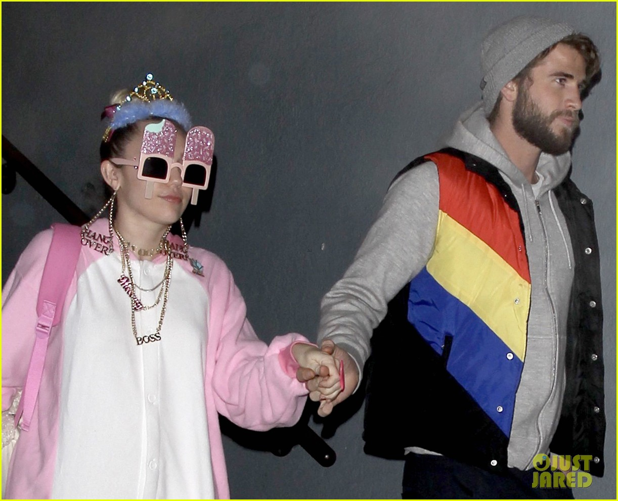 miley cyrus and liam hemsworth celebrate his birthday at flaming lips album release party 06