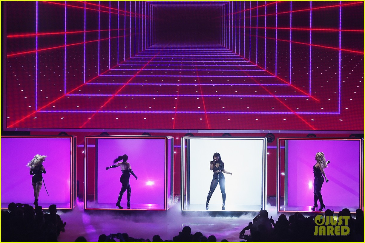 fifth harmony performs without camila cabello for the first time at peoples choice awards 03
