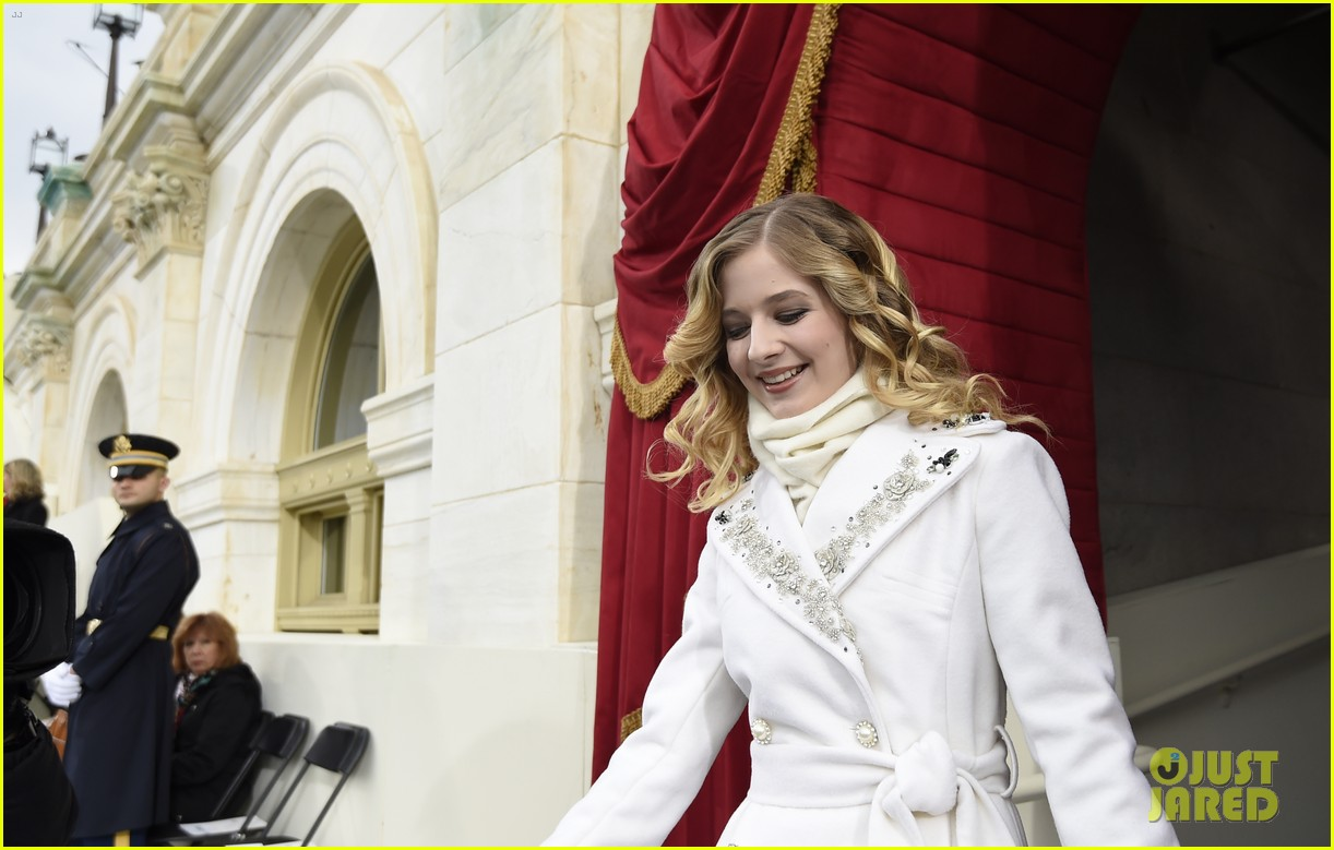 jackie evancho performs national anthem inauguration 02