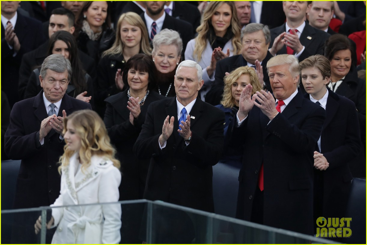 jackie evancho performs national anthem inauguration 05