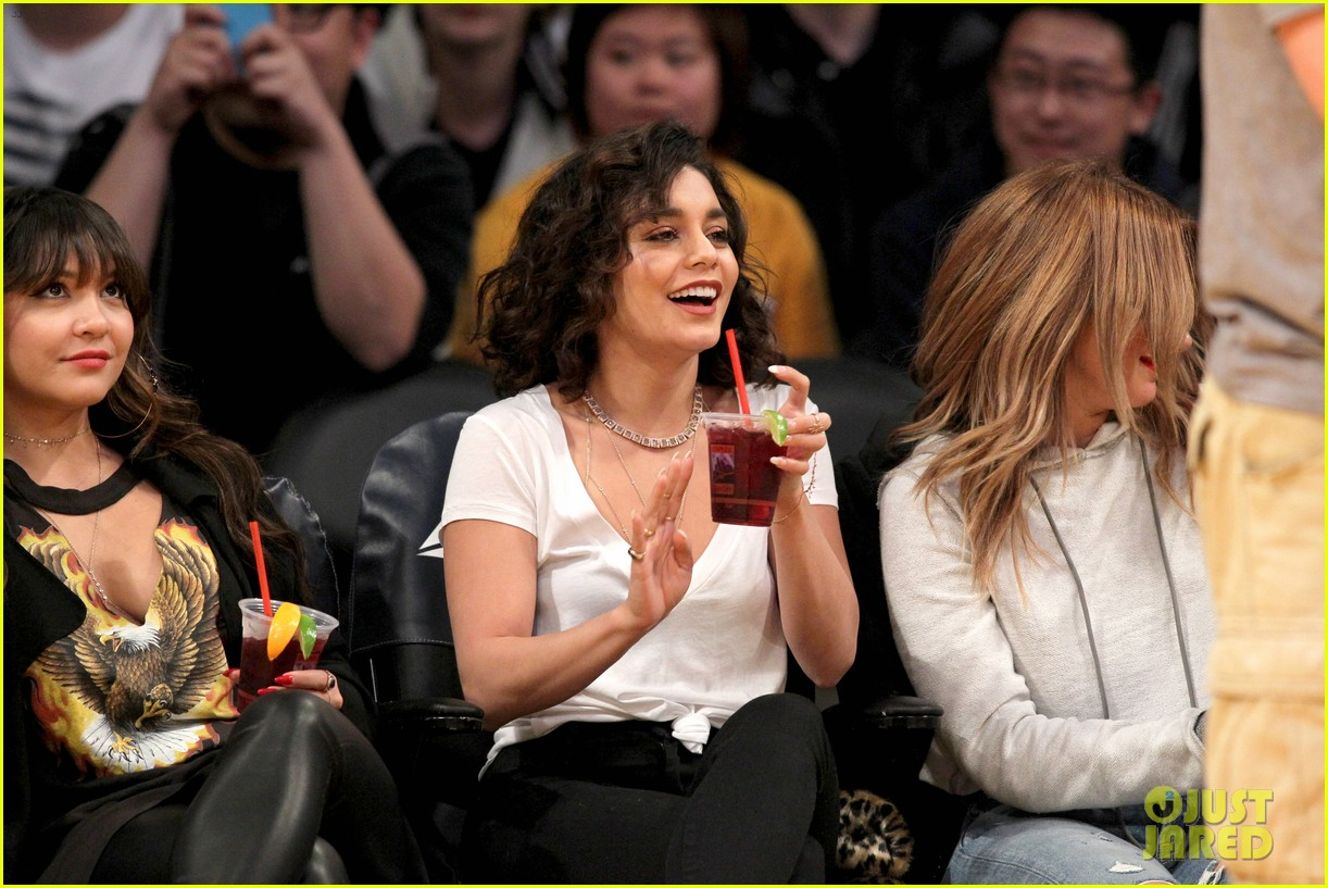 Ashley tisdale and vanessa hudgens