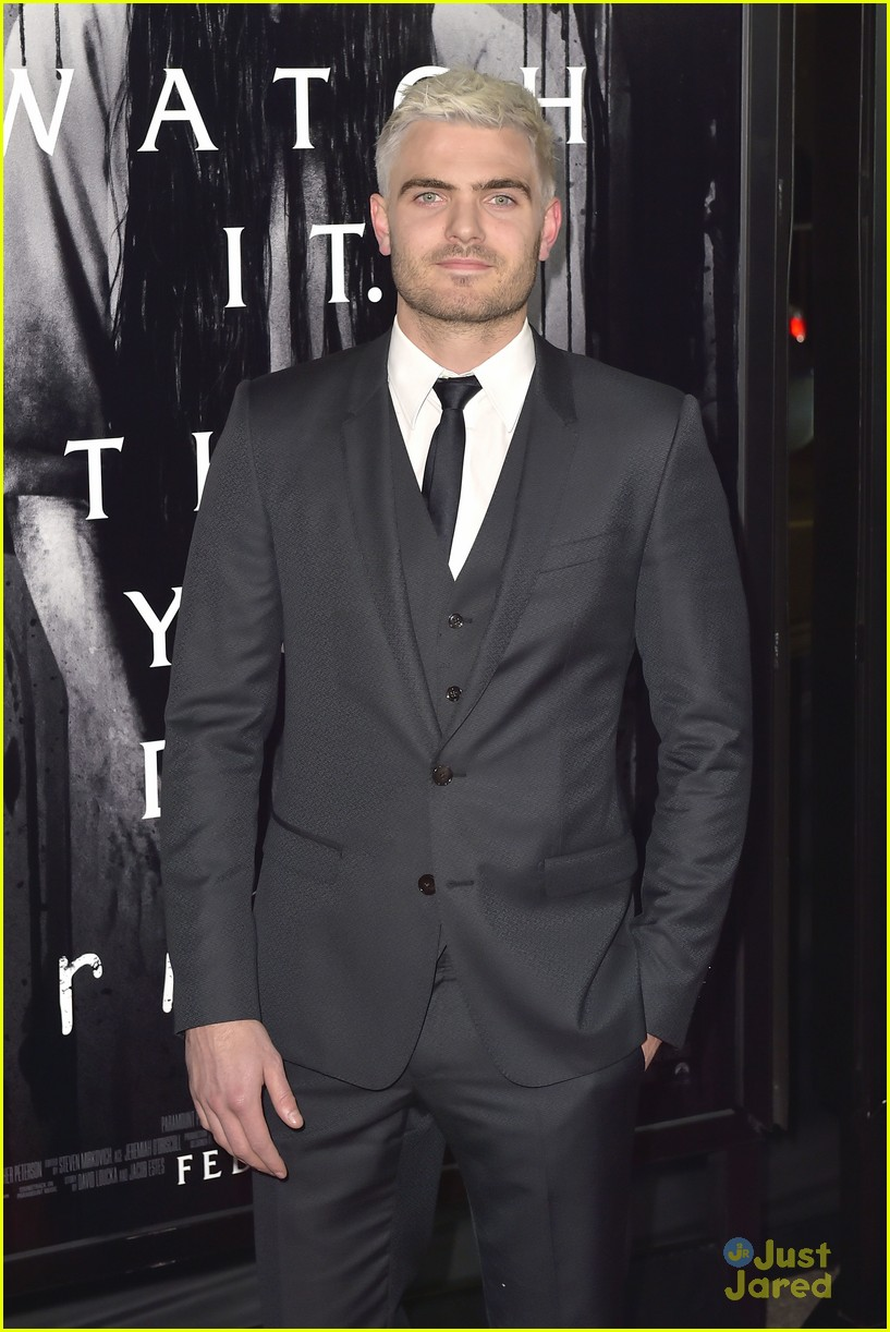 alex roe aimee teegarden silver hair rings premiere 15