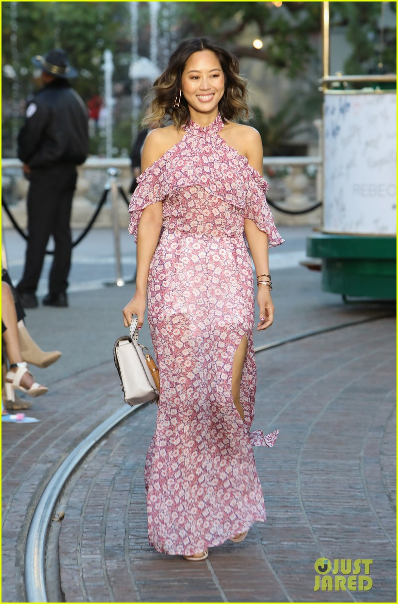 camila alves angela sarafyan and taissa farmiga are boho beauties 38