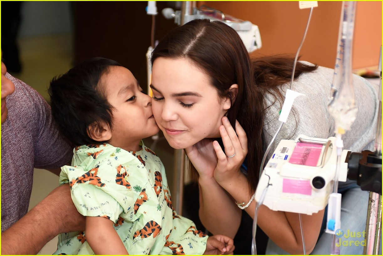bailee madison alex lange vday hospital visit 02