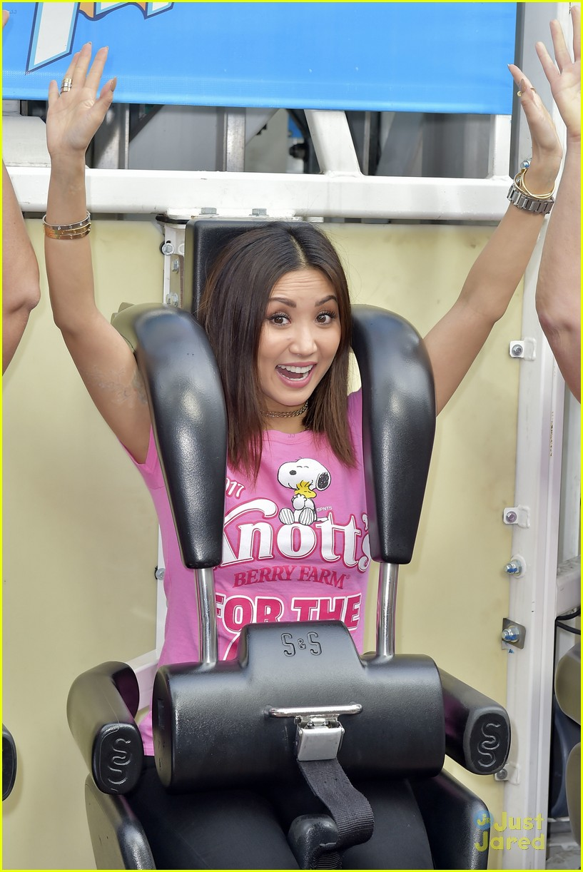 brenda song knotts for cure event 04