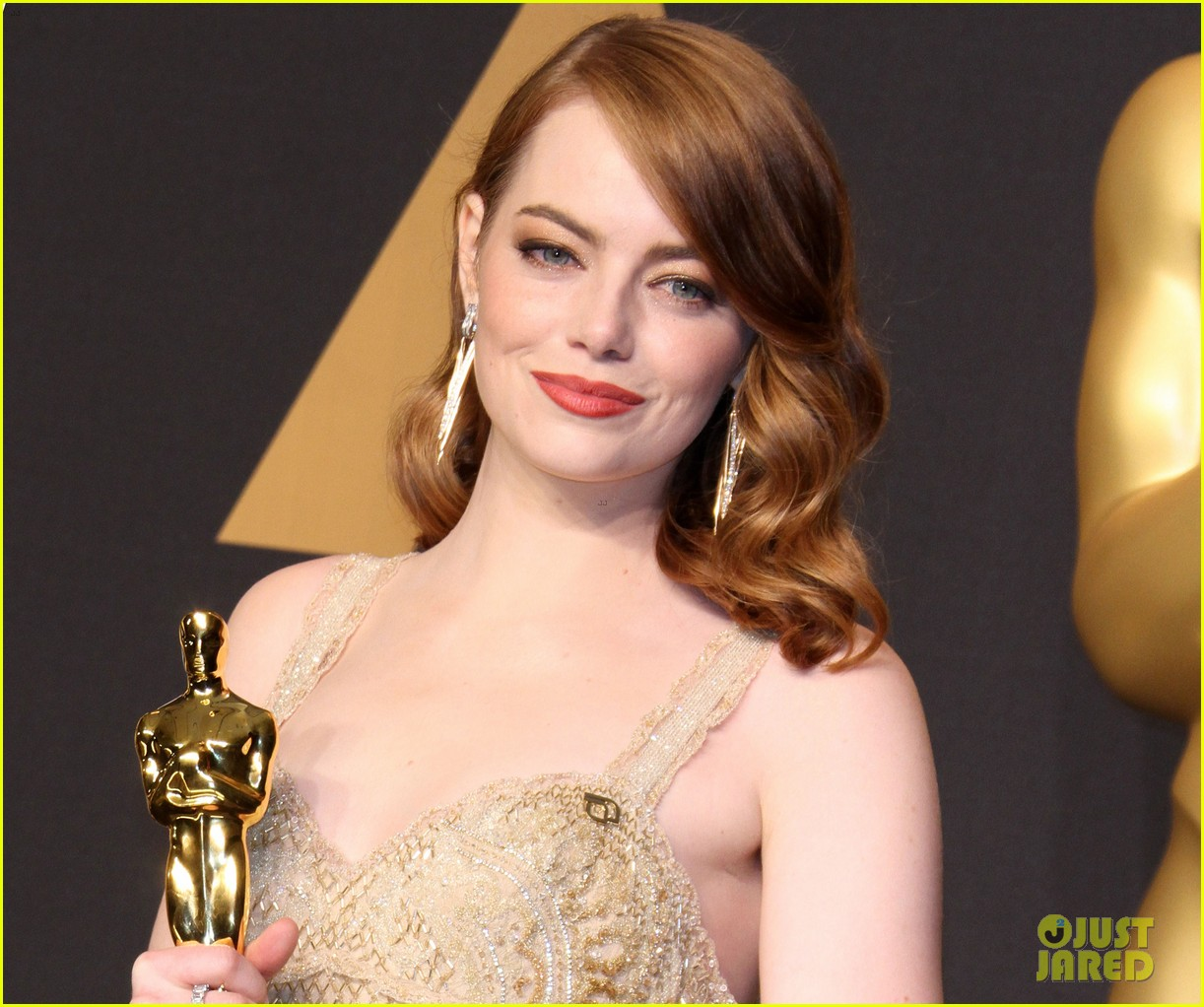 emma stones blue ribbon 03