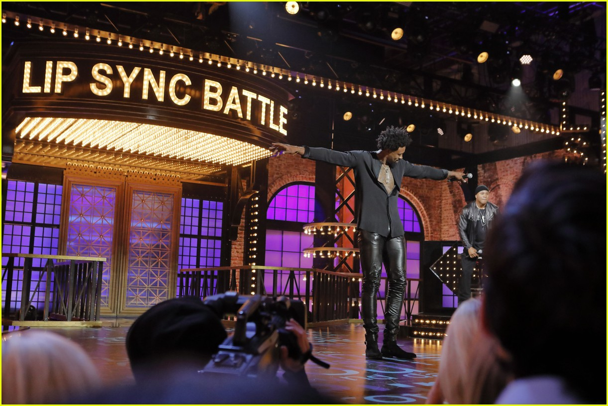 sarah hyland lip sync battle preview 02