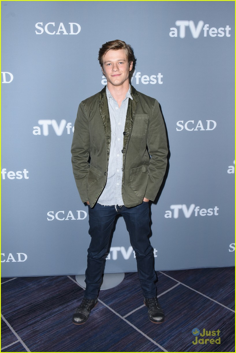 lucas till super close with george eads macgyver costar 02