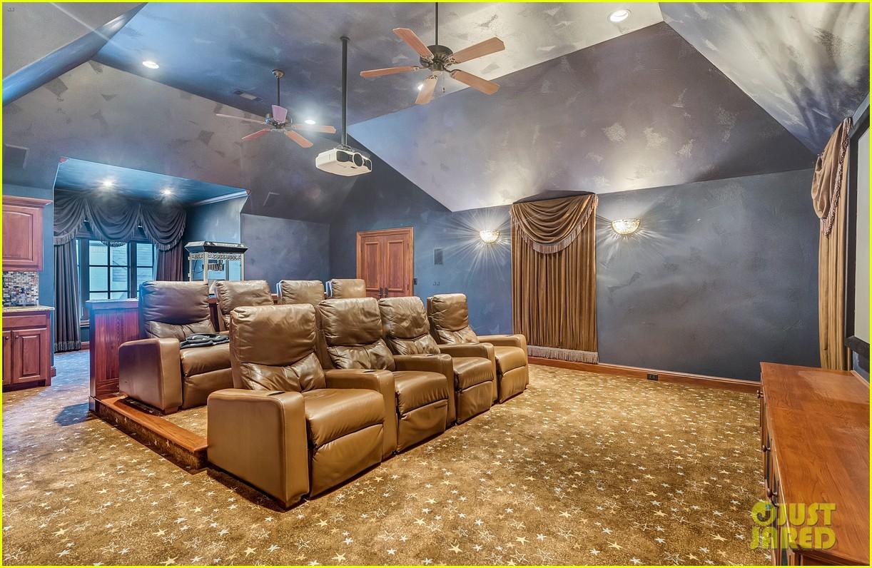 Go Inside Selena Gomez\'s Texas Dream Home! | Photo 1070857 - Photo ...