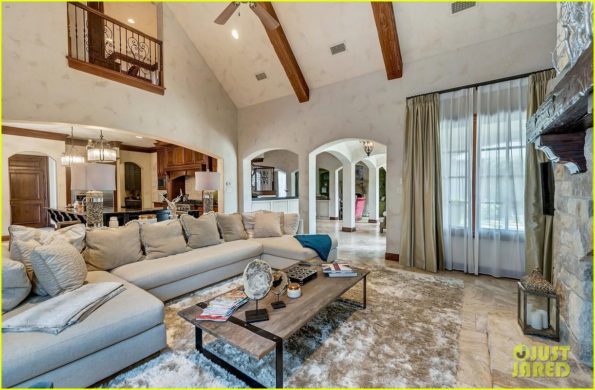 go inside selena gomezs texas dream home photo 1070868