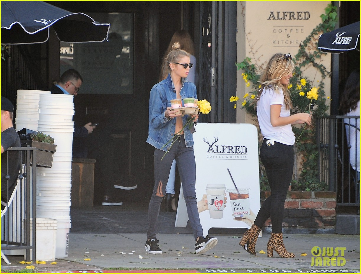 kristen stewart girlfriend stella maxwell spend valentines day afternoon 12