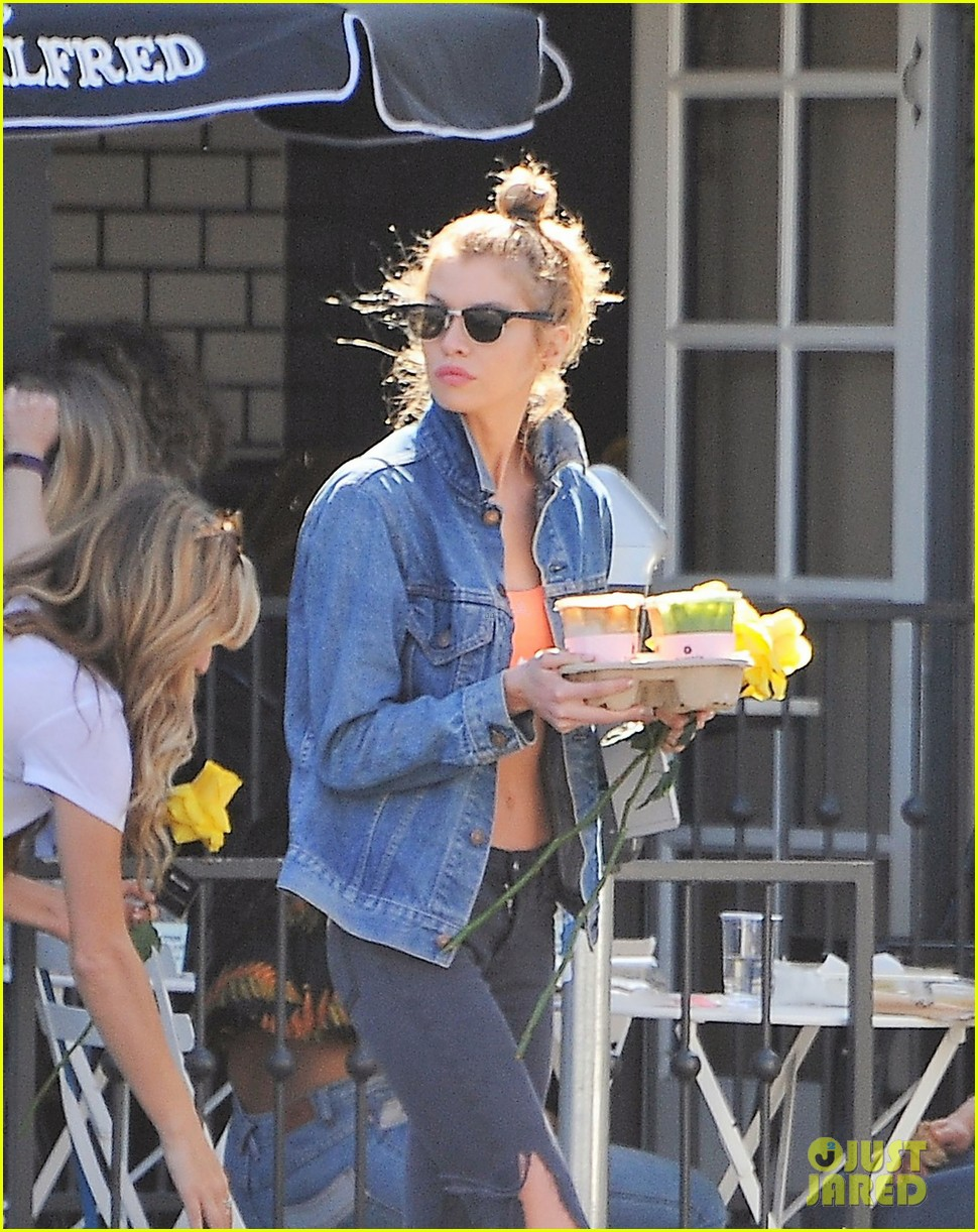 kristen stewart girlfriend stella maxwell spend valentines day afternoon 14