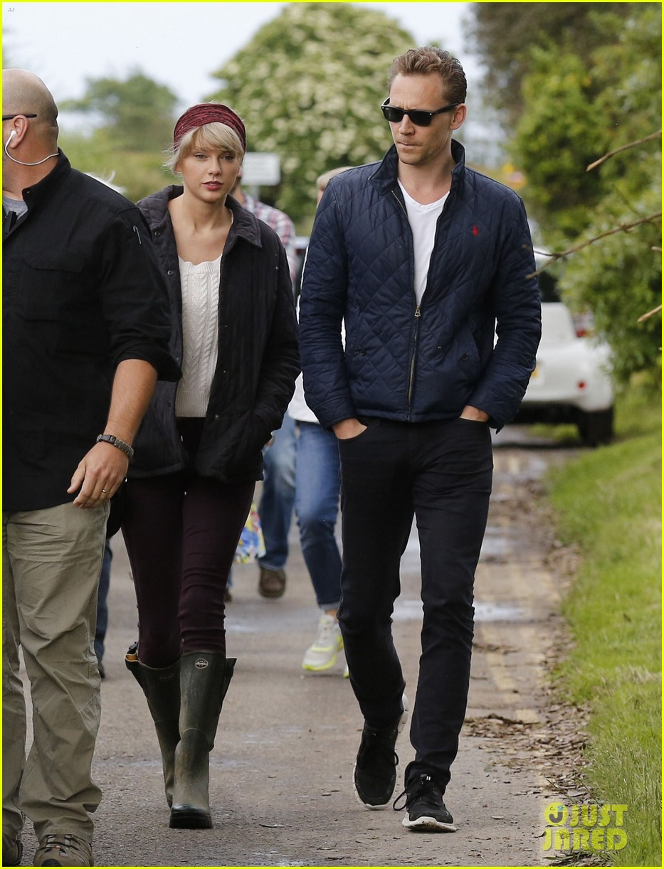 Taylor Swifts Ex Tom Hiddleston Speaks About Their Relationship