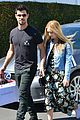taylor lautner billie lourd shop ahead public memorial 03