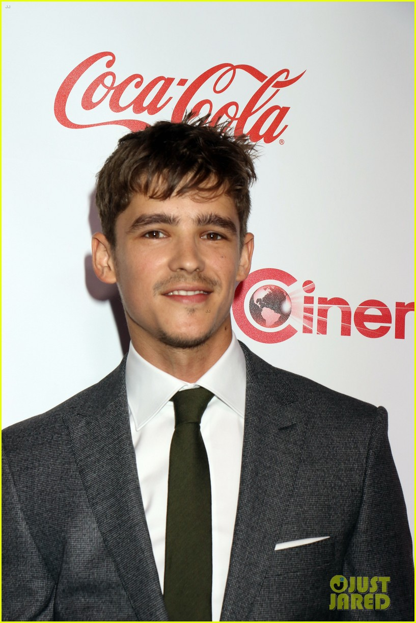 ansel elgort brenton thwaites and isabela moner win big at cinemacon 2017 24