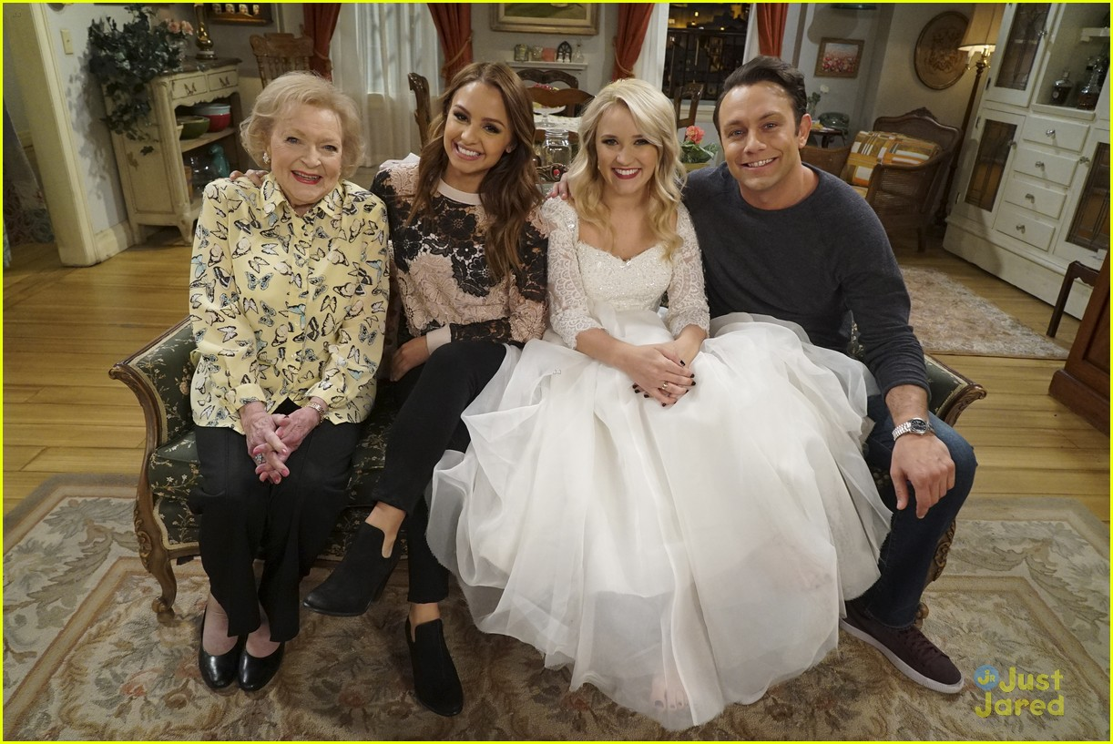 emily osment wedding dress episode betty white young hungry 01