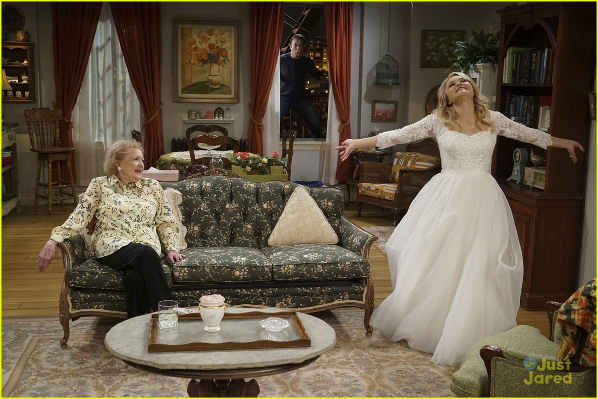 emily osment wedding dress episode betty white young hungry 03