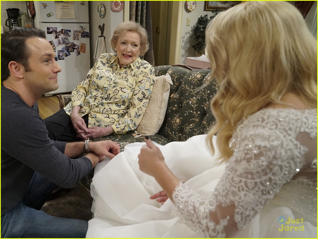 emily osment wedding dress episode betty white young hungry 10