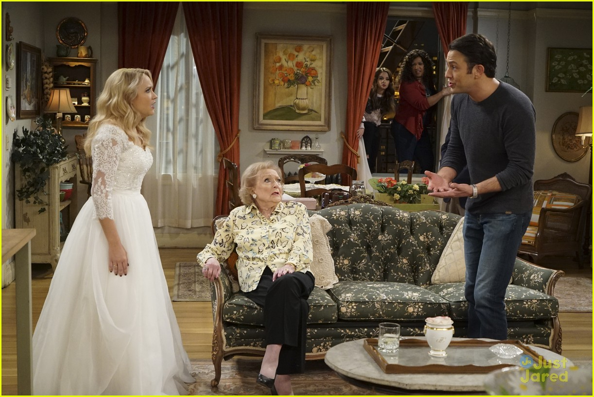 emily osment wedding dress episode betty white young hungry 14