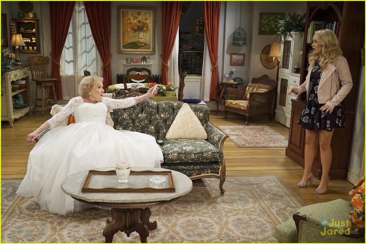 emily osment wedding dress episode betty white young hungry 28