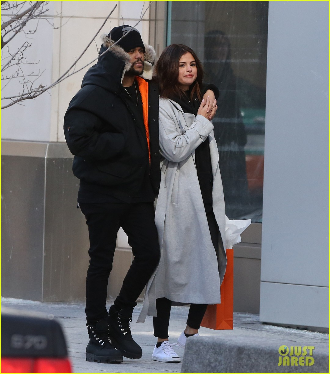 selena gomez the weeknd flaunted some pda in toronto 03