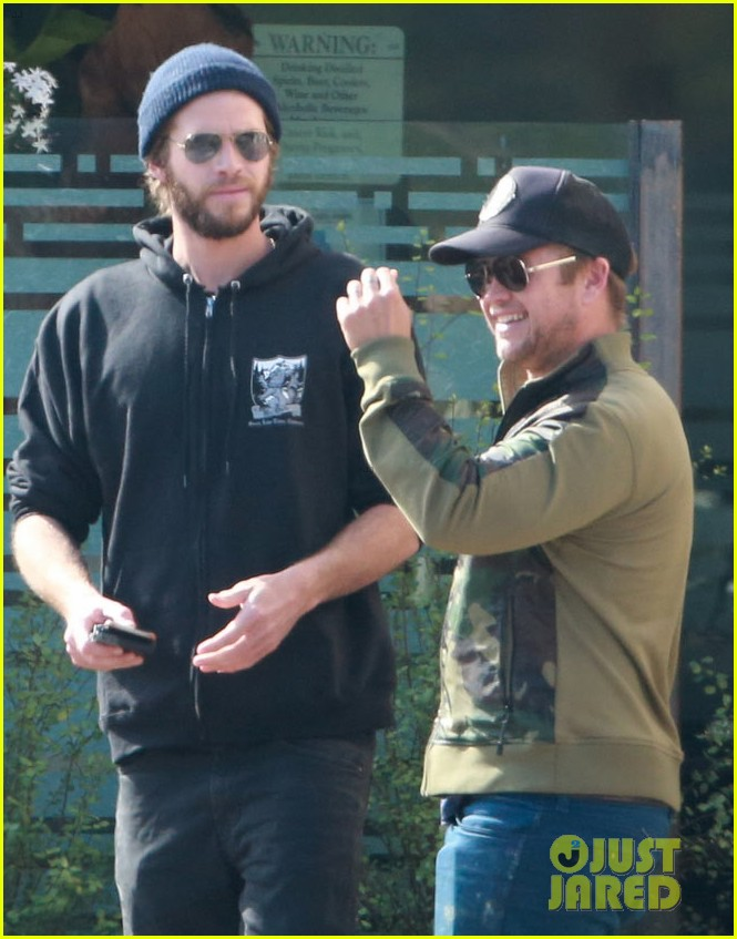 liam hemsworth steps out after wedding rumors 04