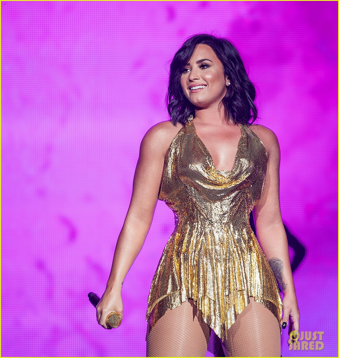 demi lovato performs at beautykind concert for causes in texas 01