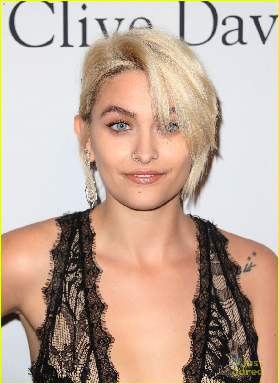 Paris Jackson Doesn T Care What You Think Of Her Armpit Hair Photo