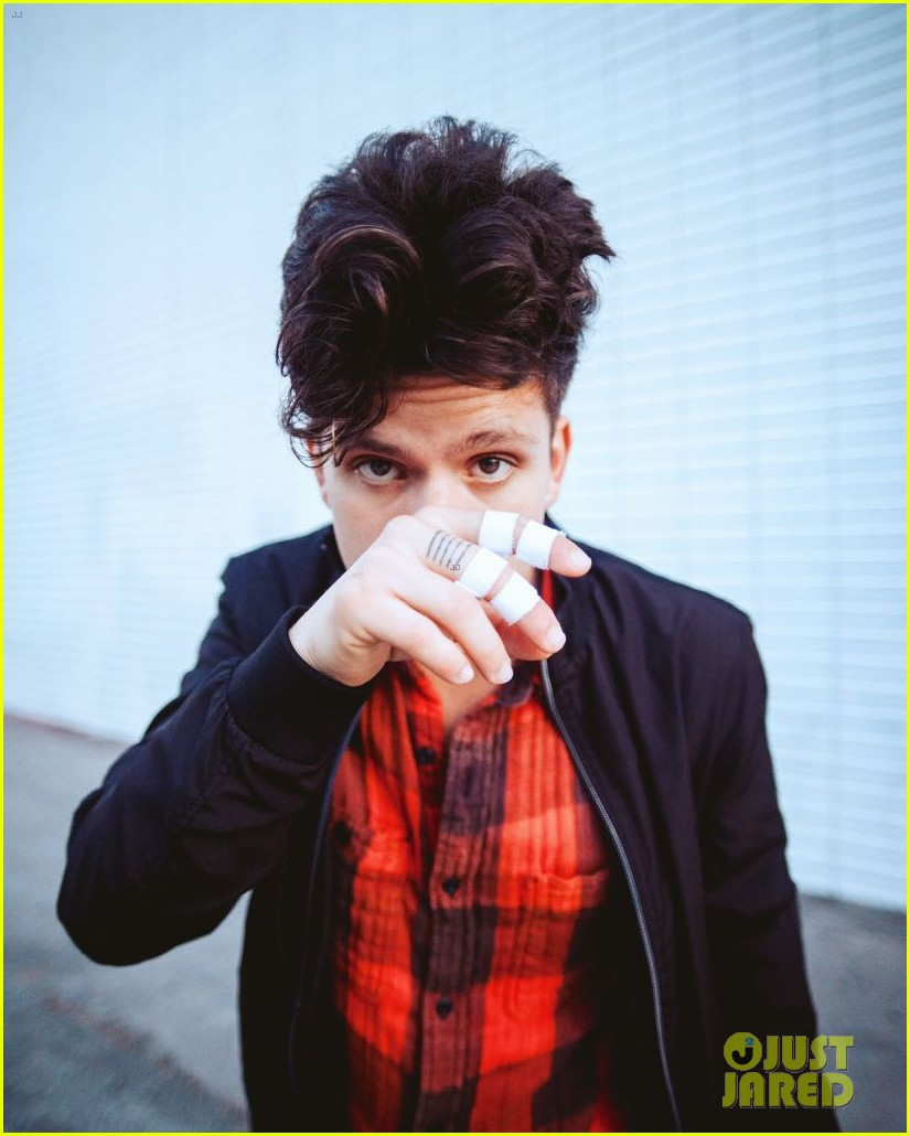 rudy mancuso opens for justin bieber tonight 04.