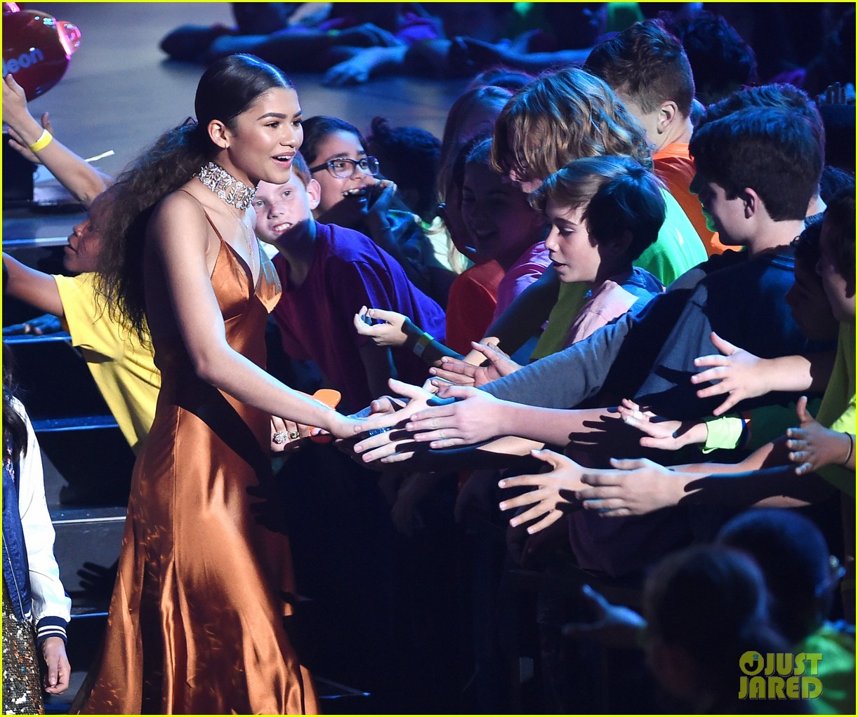 zendaya thanks fans after winning best actress at kcas 20172 01