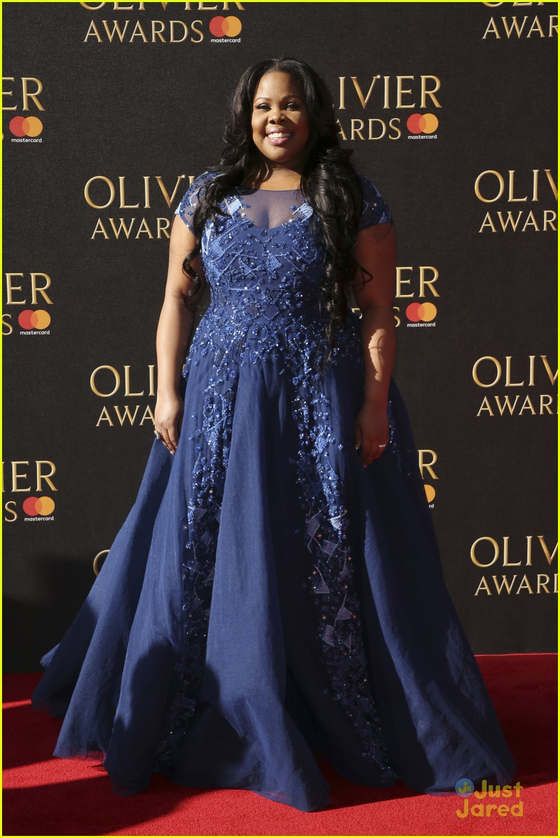 amber riley wins olivier awards glee cast freaks out 06