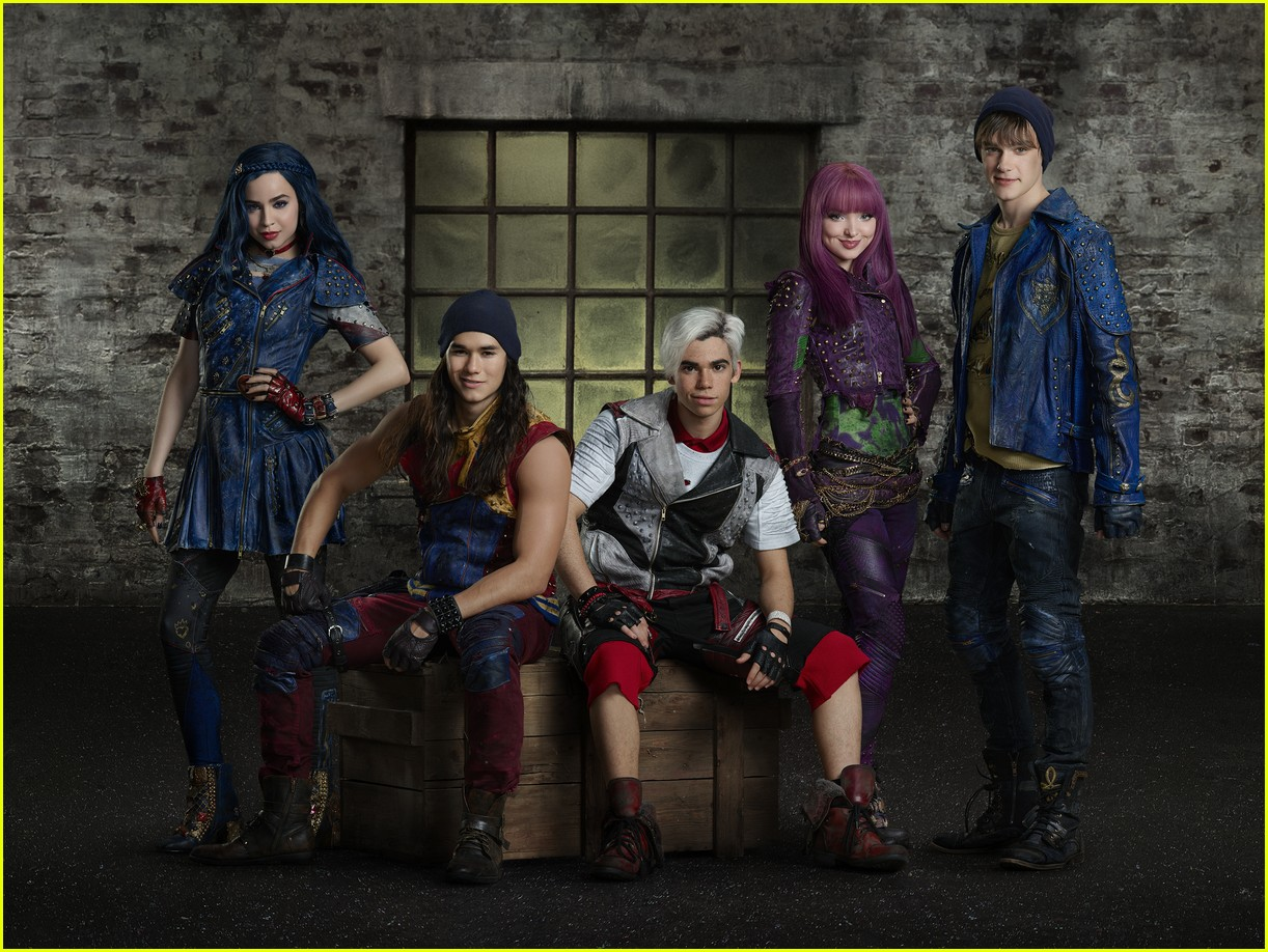 descendants 2 premiere date summer 05
