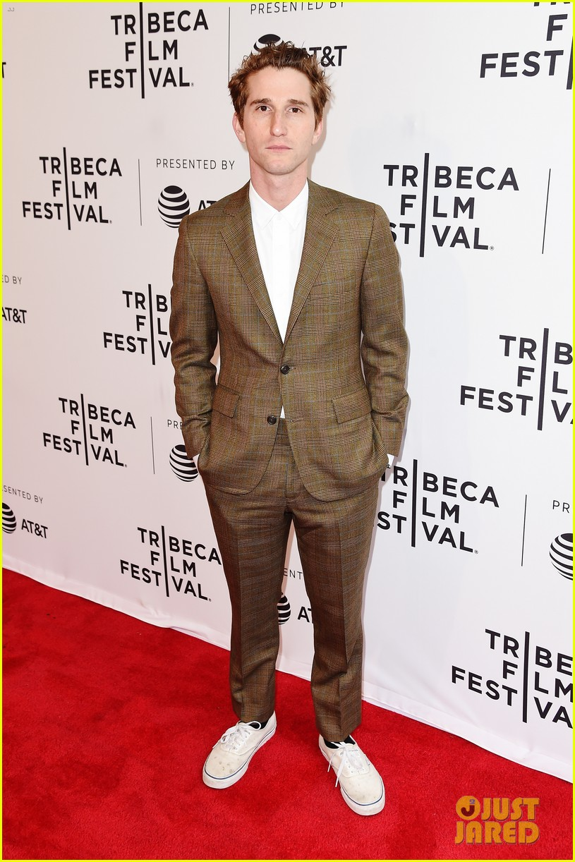 zoey deutch premieres new movie flower at tribeca film festival 01