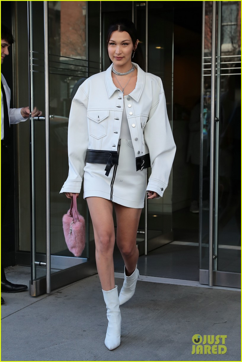 bella hadid shows off her stylish side in nyc 01