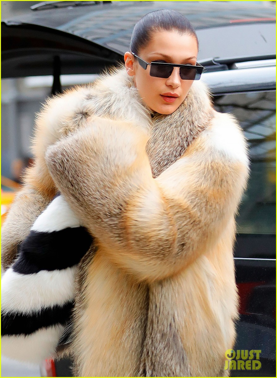 bella hadid shows off her stylish side in nyc 02