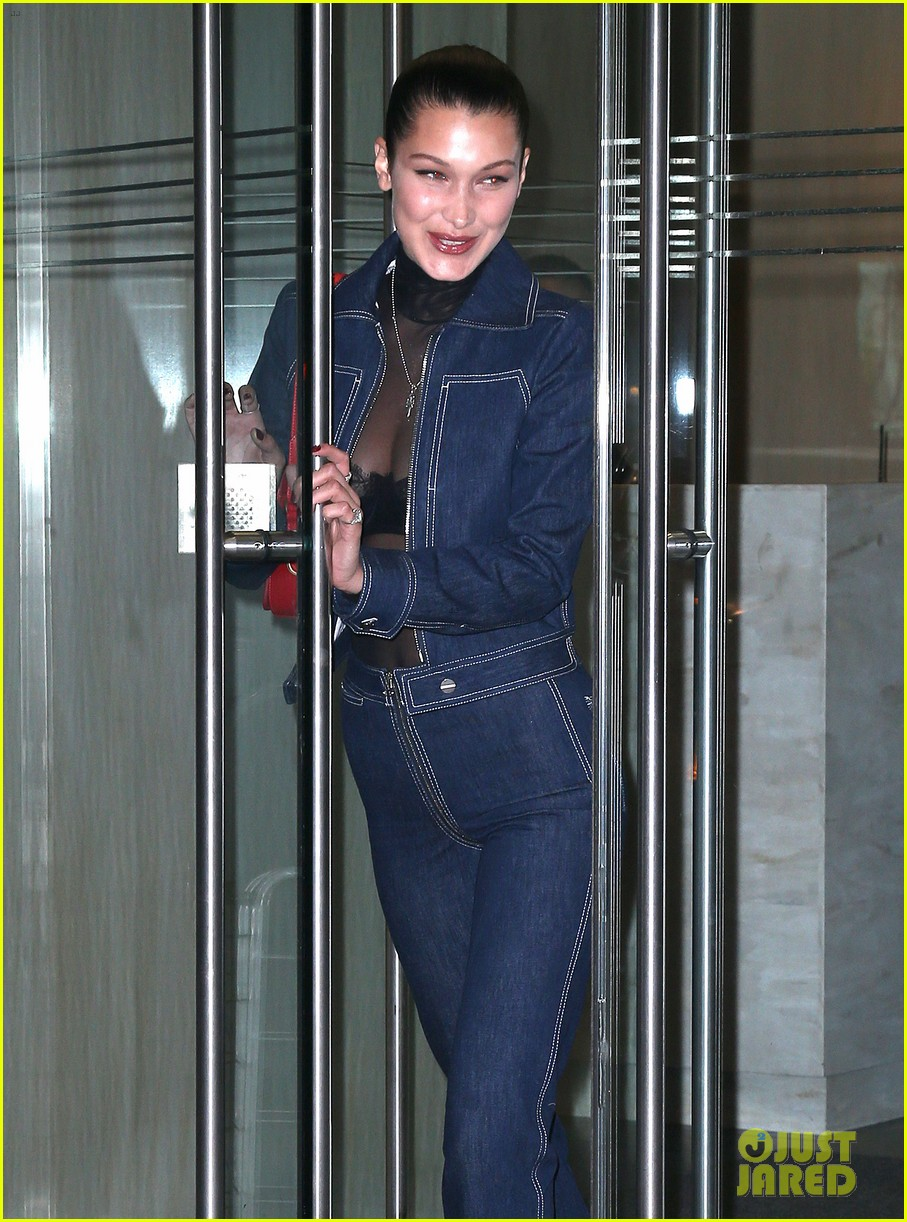 bella hadid shows off her stylish side in nyc 05