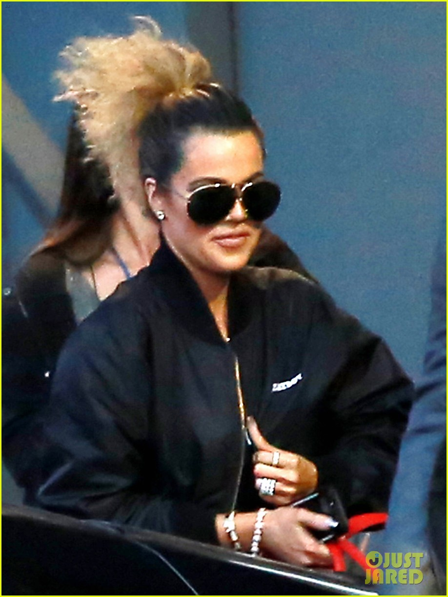 kardashian jenners gear up for 10 year anniversary special2 15