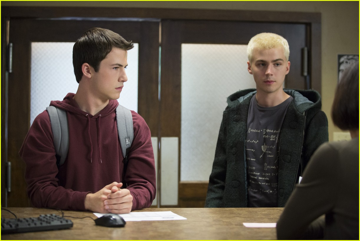 Miles Heizer Shows Off Hair Transformation For '13 Reasons Why': Photo  1080463 | 13 Reasons Why, Miles Heizer Pictures | Just Jared Jr.