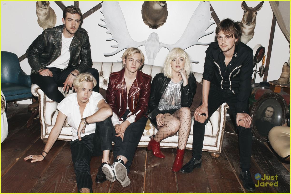 r5 new band pics reveal new addictions era 02