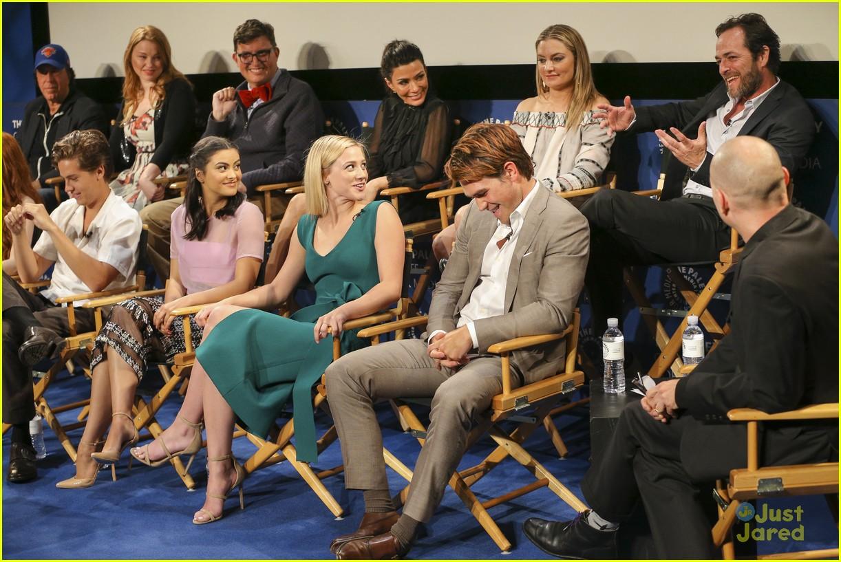 riverdale cast paleyfest event jughead episodes ahead 05